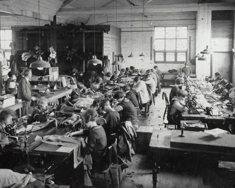 Simpson's Gloves Pty Ltd